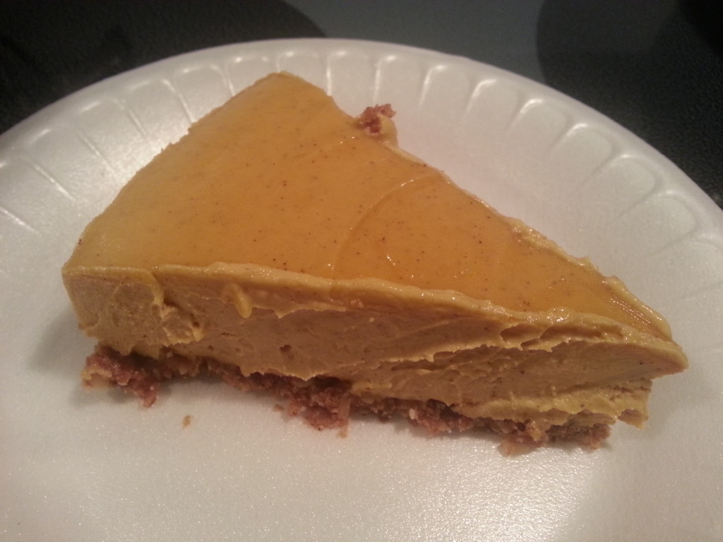 Yaaaas this Pumpkin Cheesecake deserves a porcelain plate. But taste > aesthetics.